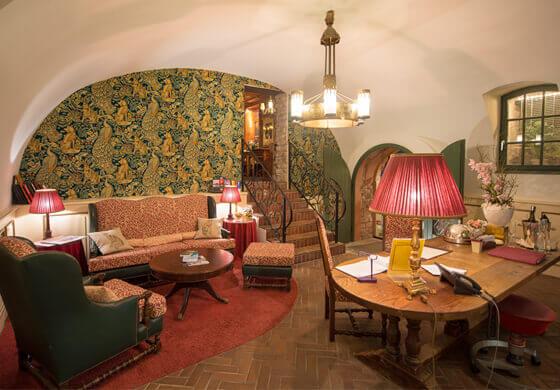 stellenangebote heidelberg im gourmethotel hirschgasse. Black Bedroom Furniture Sets. Home Design Ideas
